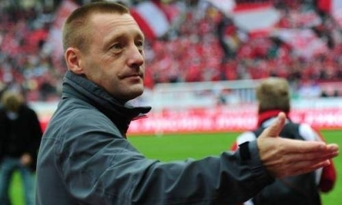 «Астана» поздравила своего нового главного тренера с юбилеем и показала в честь него видео