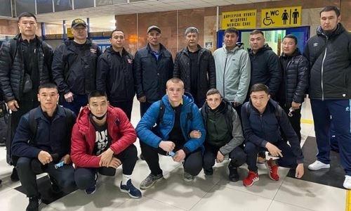 Лидеры сборной Казахстана по боксу прибыли в Атырау для подготовки к дебюту в профи