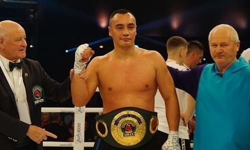 Казахстанский нокаутер супертяжелого веса показал свою тренировку. Видео
