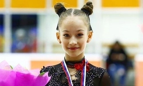 13-летняя воспитанница тренера Турсынбаевой первой в истории исполнила два четверных прыжка и тройной аксель в одной программе