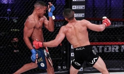 Чемпион мира по борьбе одним ударом отправил американского файтера в нокаут на турнире Bellator. Видео