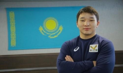 «Он оставил всех позади». Тренер казахстанского тяжелоатлета высказался о его победном выступление на юношеском Кубке мире
