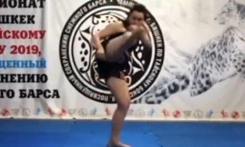 Мама Валентины и Антонины Шевченко стала чемпионкой мира муай-тай по бою с тенью. Видео