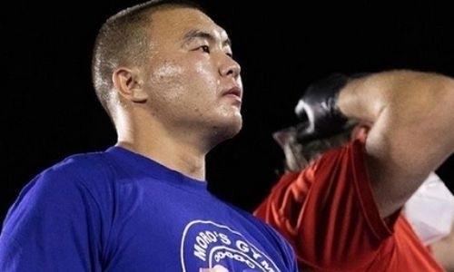 Казахстанский супертяж взлетел в мировом рейтинге после нокаута за 43 секунды