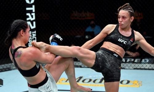 Киргизская «Пантера» забила до нокаута «Королеву насилия» на турнире UFC. Видео