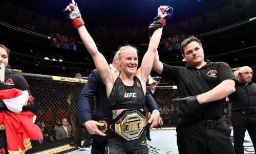 Чемпионка UFC в четвертый раз защитила свой титул и станцевала победную лезгинку. Видео