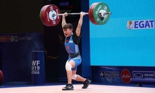 Призер ЧМ-2019 победил на чемпионате Казахстана по тяжелой атлетике
