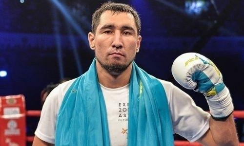 Непобежденный казахстанский боксер оседлал железного коня перед боем за три титула. Видео