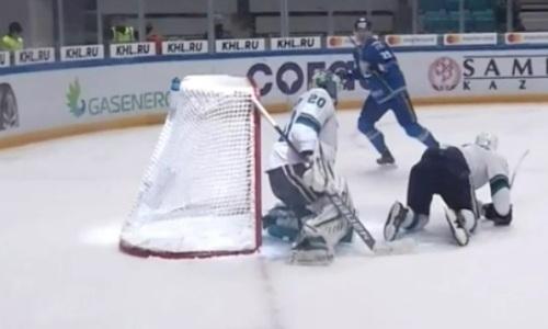 «Барыс» забросил две шайбы за минуту в матче КХЛ. Видео