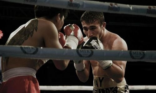 Непобежденный казахстанский боксер узнал имя соперника по пятому бою в профи