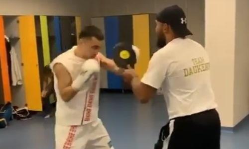 Чемпион WBA из Казахстана показал отточенную технику ударов. Видео