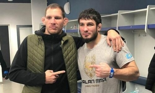 «Отличная работа». Соперник Егембердиева лично оценил нокаутирующий удар казахстанца. Видео