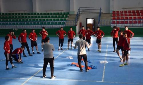 «Кайсар» начал подготовку к сезону. К сборам привлечены местные футболисты