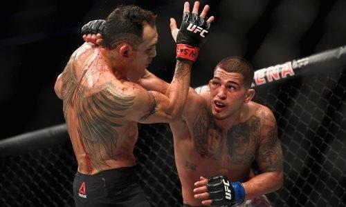 Экс-чемпион UFC объявил о своем уходе после победы и вызова Фергюсона на реванш