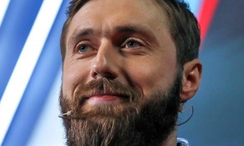 Ведущий программы «Судейская» отреагировал на спорный эпизод с наказанием Романа Старченко