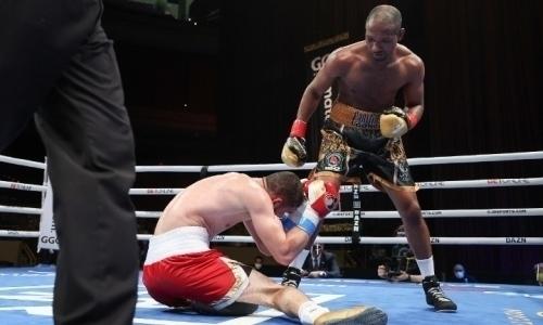 Яркий апсет вбою казахстанского боксера стал одним излучших нокаутов 2020года. Видео