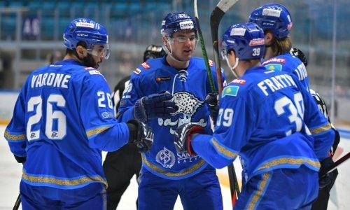 КХЛ отметила первый дубль казахстанца и анонсировала возвращение защитника в состав «Барыса»