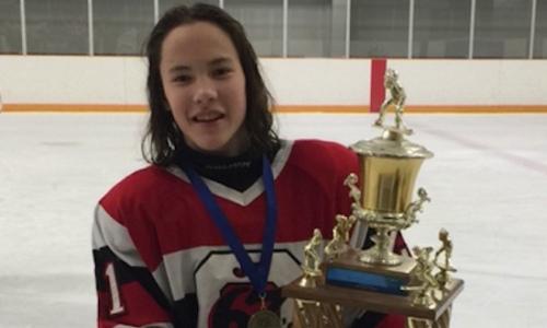 «Мама готовит для семьи много казахских блюд». 17-летний канадский хоккеист из Оттавы мечтает играть в НХЛ и за сборную Казахстана