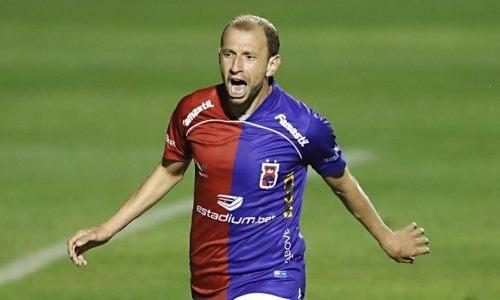 Экс-футболист «Астаны» исполнил шедевр в чемпионате Бразилии. Видео