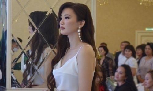 Сабина Алтынбекова показала новое чарующее видео