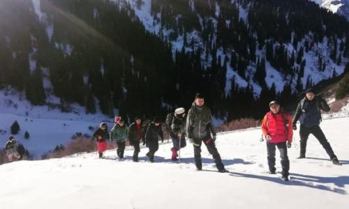 Альпинист потерял зрение при восхождении в горах Алматы
