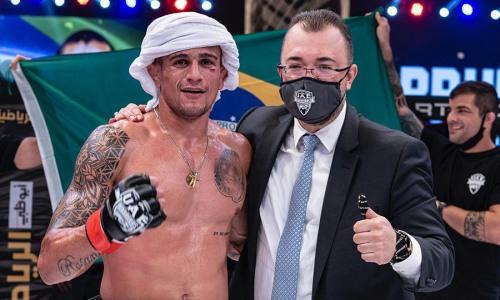 Главный бой турнира Хабиба Нурмагомедова закончился избиением бывшего бойца UFC