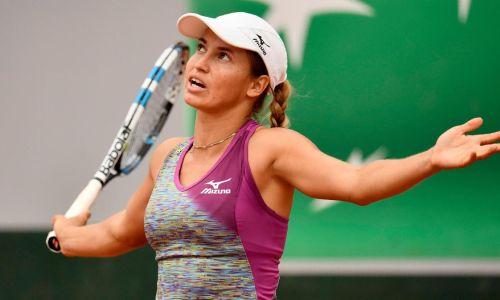 Казахстанская теннисистка живет в номере с незваным гостем перед Australian Open. Видео