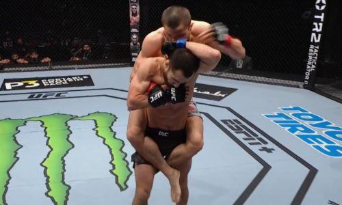 Видео дебютного боя казахстанца Сергея Морозова в UFC