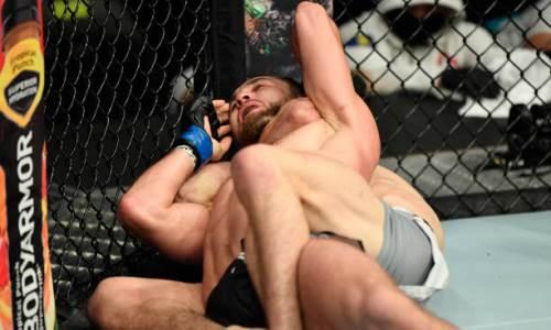 «Вздремнул, как настоящий боец». Сергею Морозову выразили необычный респект за дебют в UFC
