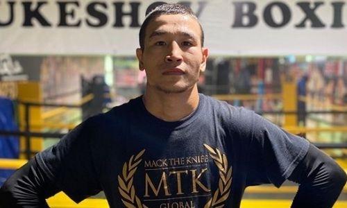 Непобежденный казахстанский боксер проведет бой с россиянином за титул WBC
