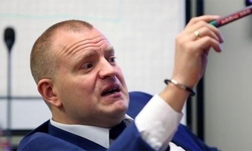 «Всё неспроста». Главный арбитр КХЛ разъяснил спорные эпизоды с участием «Барыса»