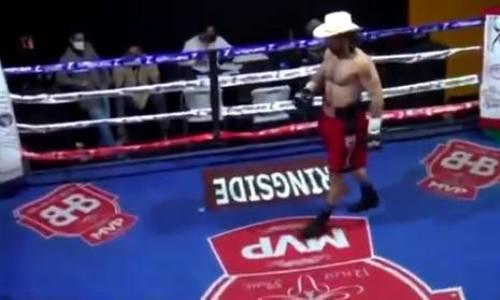 «Горилла» вырубил мексиканца в первом раунде и надел ковбойскую шляпу. Видео