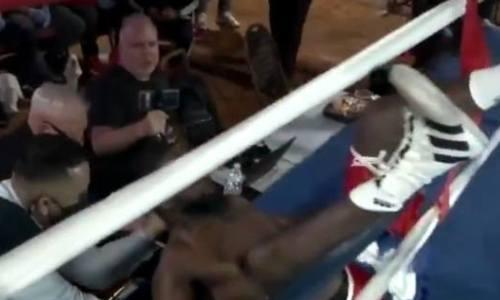 Американского боксера нокаутировали за 44 секунды и выкинули за канаты. Видео