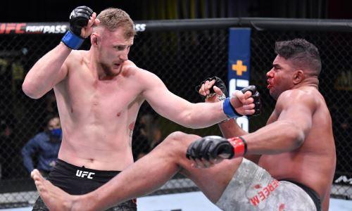 Обнародован гонорар Волкова за победу нокаутом над Оверимом в UFC
