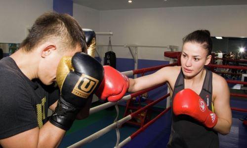 «Женская сборная ослаблена». «Казахстанская Анджелина Джоли» — о боксе, судействе и переходе в профи