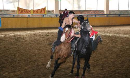 Республиканские соревнования по аударыспаку прошли в Туркестанской области