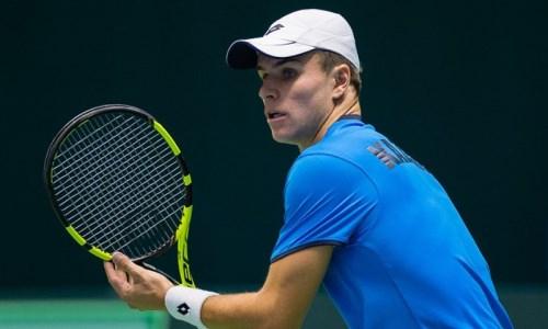 Казахстанский теннисист вышел в 1/8 финала турнира в Италии