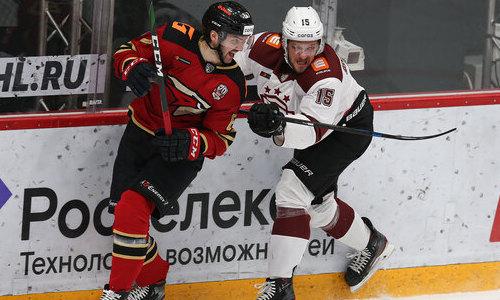 «Возможно, мы на них попадем». В «Авангарде» опасаются встречи с «Барысом» в плей-офф КХЛ