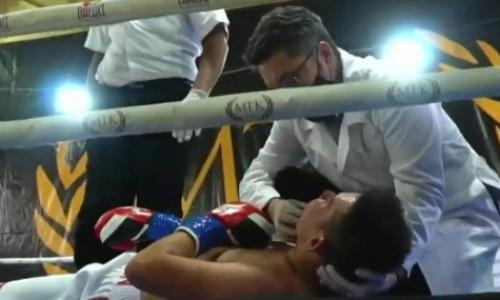 Казахстанского боксера убойным ударом с правой отправили прямо к врачам. Видео тяжелого нокаута