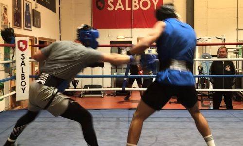 Турсынбай Кулахмет провел спарринг с полутяжем перед возвращением на ринг
