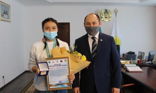 Девушка-боксер из ВКО завоевала путевку на чемпионат мира