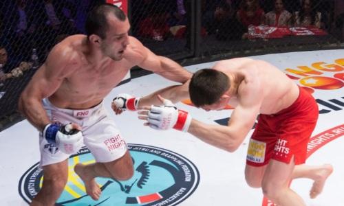 Известный казахстанский файтер проиграл чемпиону мира из России