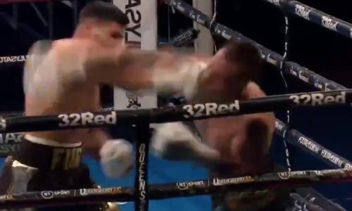 Брат Тайсона Фьюри брутально нокаутировал соперника во втором раунде. Видео
