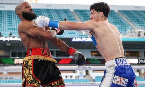 21-летний обидчик казахстанского боксера оформил нокаут в андеркарде у «Канело». Видео