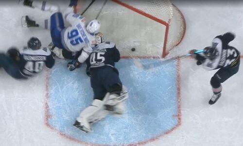 В КХЛ разъяснили ситуацию с отмененной шайбой «Барыса» в ворота «Металлурга». Видео