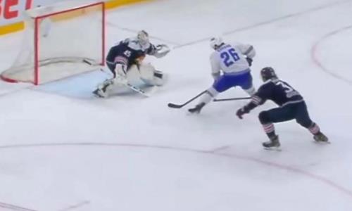 Легионер «Барыса» роскошно раскачал вратаря «Металлурга» в матче плей-офф КХЛ. Видео