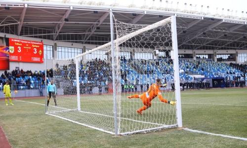 Как «Тобол» и «Кайрат» устроили футбольное «рубилово» с шестью голами и серией пенальти в Суперкубке Казахстана. Видео