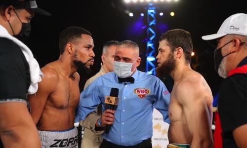 «Он действовал грязно». Соперник казахстанского боксера поблагодарил своих «спасителей» после спорной победы