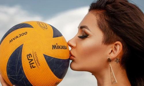 Горячая казахстанская волейболистка доказала, что усталость красоте не помеха. Фото