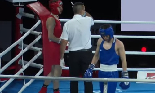 Первый казахстанский боксер стартовал с двух нокдаунов на МЧМ-2021